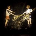 1978Summer CampThe swap of bunches.1978Les grandes vacancesL'Èchange des bouquets.Bernard Faucon / Agence VU