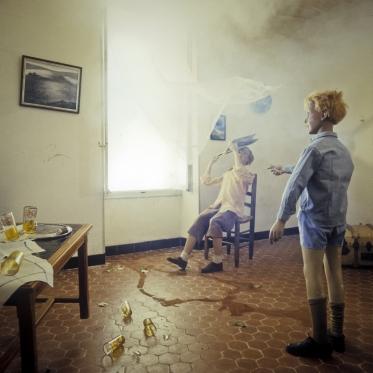 1979Summer CampThe broken glass.1979Les grandes vacancesLe verre cassÈ.Bernard Faucon / Agence VU