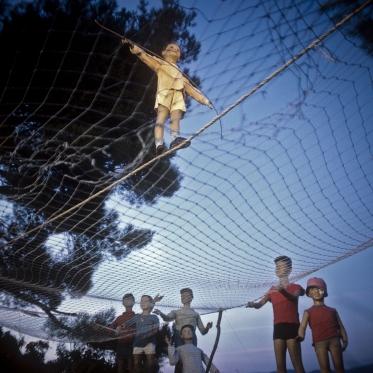1977 Summer Camp The Funambulist..  1977 Les grandes vacances Le Funambule.  Bernard Faucon / Agence VU