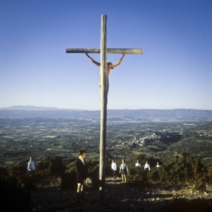 1980 Summer Camp Crucifixion.  1980 Les grandes vacances Crucifixion.  Bernard Faucon / Agence VU
