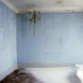 """France, 1985The BedroomsSerie """"The Rooms of Love""""The 14th Bedroom of Love : the snow storm.France, 1985Les chambresSÈrie """"Les chambres d'amour""""La QuatorziËme Chambre d'amour : la tempÍte de neige.Bernard Faucon / Agence VU"""
