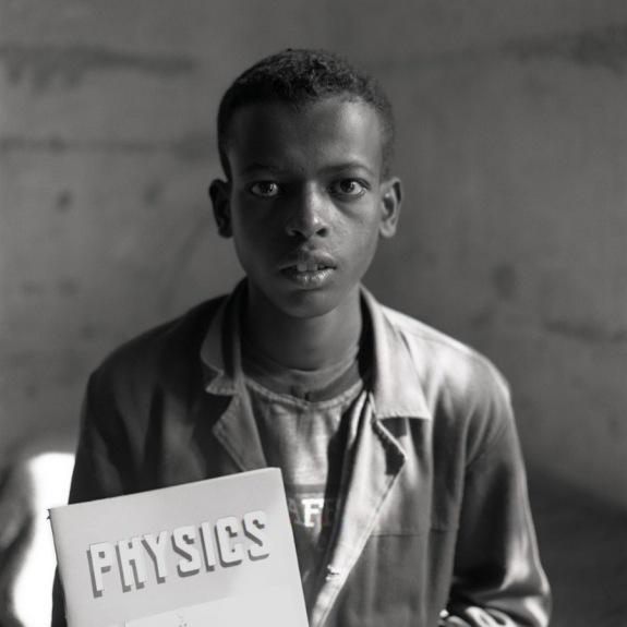 Ethiopia, Jimma, 1998Portrait of an orphan of Ginjo orphanage.Ethiopie, Jimma, 1998Portrait d'un orphelin de l'orphelinat de Ginjo.Hugues de Wurstemberger / Agence VU