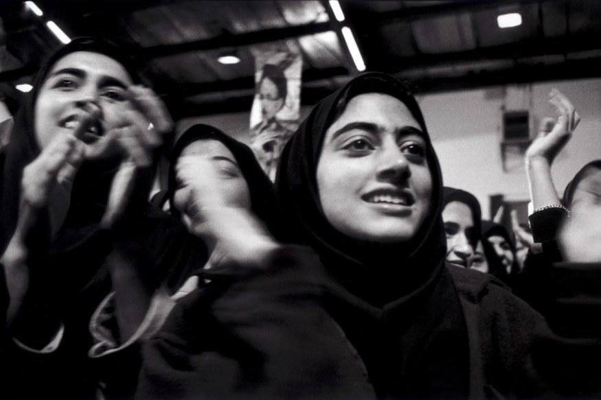 Iran, 1998. Téhèran, Université Sharif Pour la journée des étudiants, le président Khatami a répondu aux questions des jeunes venus de tout le pays.