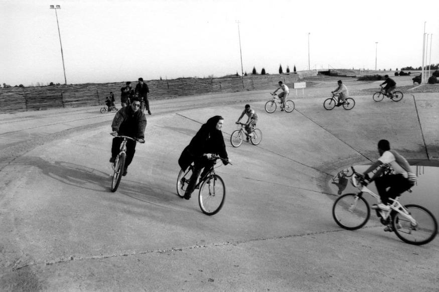 Février 1999 - Teheran, Parc Chitgar. Piste de vélo.