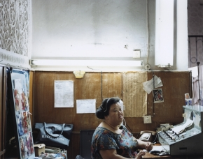 © RIP HOPKINS / AGENCE VUHOME AND AWAYOUZBEKISTAN, 200201/08/02Pak Nadejda Nikolaevna in Tashkent's Almazar Street Telephone Exchange. She is 74 years old. She is Korean, her father was sent here from the Chinese border by Stalin in 1937. She wants to leave to join family members in Almata, Kazakhstan.N°10650