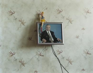 © RIP HOPKINS / AGENCE VUHOME AND AWAYOUZBEKISTAN, 200219/08/02Uzbekistan's President Islam Abduganiyevich Karimov in a Tashkent flat.N°10650