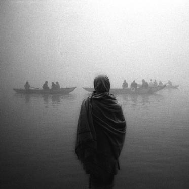 Sadu devant le Gange