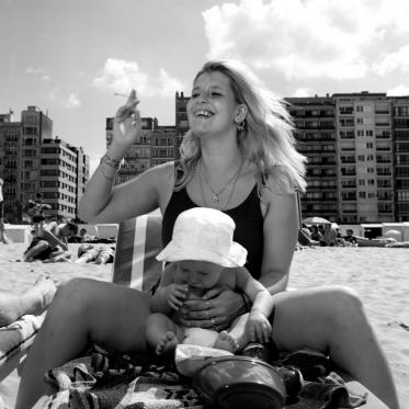 Belgium, Blankenberg, 2004Belgium people's holidays.The mother and her child.Belgique, Blankenberg, 2004Les vacances des Belges.La mËre et l'enfant.© Franck Ferville / Agence VU