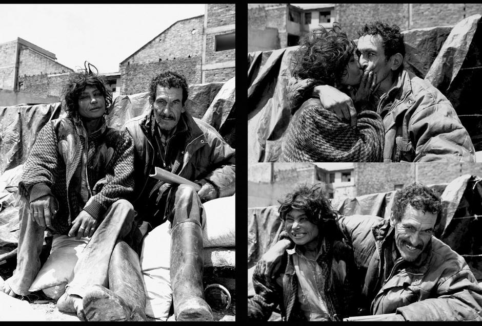 """Colombia, Bogota, 2002 - 2009""""Calle del Cartucho"""".The Kiss: Love and Garbage. A couple of beggars before their camp. In the ghetto, the street people freely create a new social network.Colombie, Bogota, 2002 - 2009""""Calle del Cartucho"""".Le Baiser : Amour et Ordures. Un couple de mendiants devant leur campement. En toute libertÈ dans le ghetto, les gens de la rue recrÈent un tissu social.Stanislas Guigui / Agence VU"""