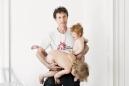 """France, Paris, 25 February 2011Portrait of Rip Hopkins, iconoclast photographer.""""I do it for me.""""France, Paris, 25 février 2011Portrait de Rip Hopkins, photographe iconoclaste.""""Je le fais pour moi"""".Rip Hopkins / Agence Vu / Médecins sans frontières"""