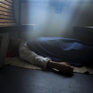 Vietnam, in the Reunification Express Train, 01 May 2015Sleeping passengerVietnam, dans le Train de la Réconciliation, 01 mai 2015passager endormiFranck Ferville / Agence VU