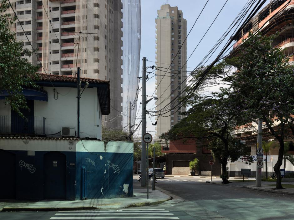 "Brazil, Sao Paulo, 27 August 2011From the series ""Second Nature"".Morumbi.BrÈsil, Sao Paulo, 27 ao˚t 2011Issue de la sÈrie "" Second Nature"".Morumbi.Guy Tillim / Agence VU"